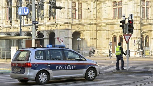 Polizei nimmt möglichen Komplizen von Wiener Terrorverdächtigem fest