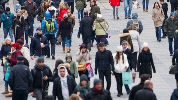 Menschen sehen in hohen Staatsschulden großes Risiko für Europa