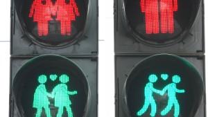 Homo-Ampelpärchen sollen dauerhaft in Frankfurt leuchten