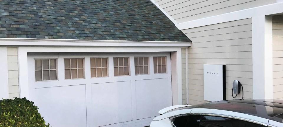 elon musk tesla chef stellt solar dachziegel vor unternehmen faz. Black Bedroom Furniture Sets. Home Design Ideas