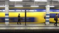 """""""Liebe Reisende"""": Die Ansagen in der niederländischen Bahn sollen geschlechtsneutral sein."""