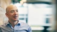 Jeff Bezos ist mit einem geschätzten Vermögen von 77 Milliarden Dollar der zweitreichste Mann der Welt.