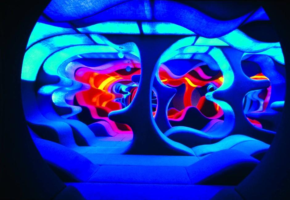 Visiona 2 (1970): Verner Pantons Installation einer organisch geformten Wohnhöhle