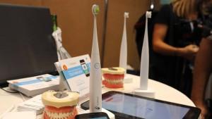 Unbekannte stehlen Zahnbürsten im Wert von 100.000 Euro