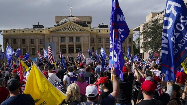 Anwälte von Trump in Arizona ziehen sich zurück