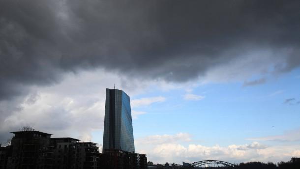 EZB bewegt sich im Kriechgang in Richtung Exit