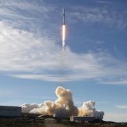 Eine Falcon 9-Rakete auf dem Weg ins All: Hat SpaceX die EU abgehängt?