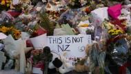 Ein Meer aus Blumen: Neuseeland trauert um die Opfer des Attentates in Christchurch.
