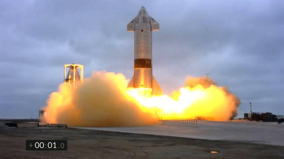 """SpaceX meldet die erste erfolgreiche Rückkehr eines Raumschiffs """"Starsphip SN15""""."""