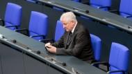Jedermanns Daten können betroffen sein – auch die von Bundesinnenminister Horst Seehofer.