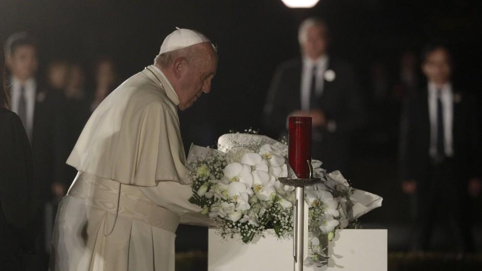"""Papst verurteilt Einsatz von Atomwaffen als """"Verbrechen"""""""