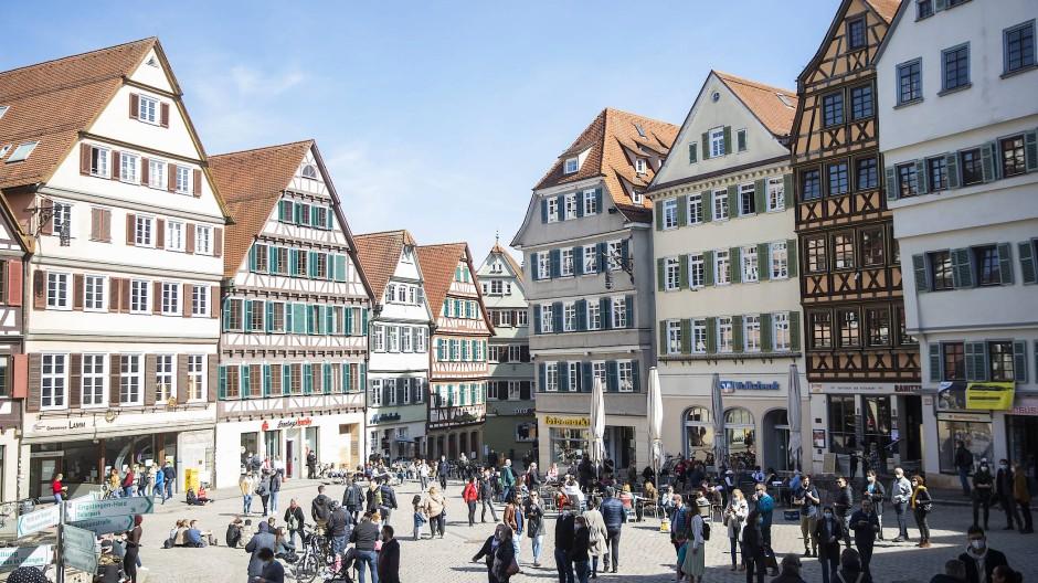 So wie auf dem Tübinger Rathausplatz soll es nach dem Willen der Politiker auch bald in einigen hessischen Städten aussehen.