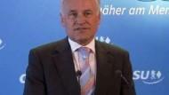 Erwin Huber gibt Parteivorsitz auf