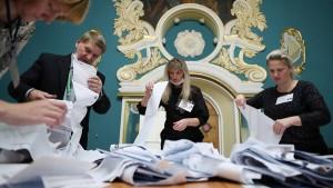 Wie Russlands Machtpartei sich den Wahlsieg sicherte