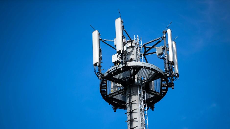 Hessen will 50 Millionen Euro in den Neubau von zusätzlichen Mobilfunkstandorten investieren (Symbolbild).