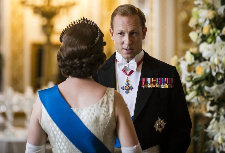Der Mann an ihrer Seite - und was sonst noch? Prinz Philip (Tobias Menzies) steckt in der Midlife Crisis.