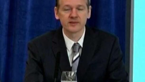 Interpol setzt Assange auf Fahndungsliste
