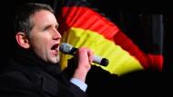 Rhetorik von Björn Höcke: Lückentexte lassen Raum für rechten Hass