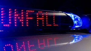 Umgekippter Lastwagen blockiert Autobahn 44