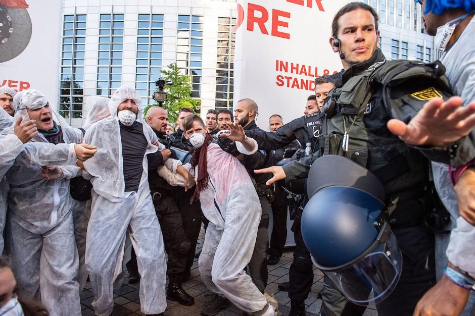 Wenig werbewirksam: Proteste gegen die IAA im September in Frankfurt