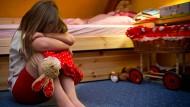 Plötzlicher Verlust: Wie erklärt man den Kindern Tod und Vergänglichkeit?