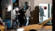Polizei sucht weiteren Attentäter