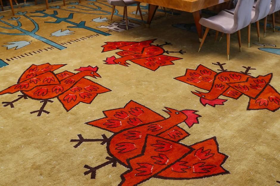 Möbel und Teppiche wurden im Palata Srbije-Gebäude nach Maß angefertigt. Dieser liegt im Serbien-Salon des Gebäudes.
