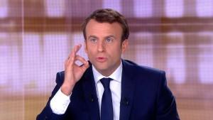 Deutliche Mehrheit findet Macron überzeugender
