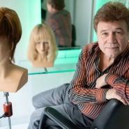 Das Tragegefühl muss stimmen: Siggi Ebenhoch will, dass sich seine Perücken wie echtes Haar anfühlen.