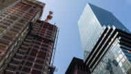 Bauboom in Frankfurt: Die Stadt will jedoch Spekulanten stärker regulieren.