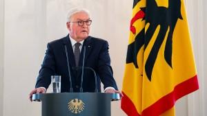 Steinmeier bedauert geringes Wissen über das Grundgesetz