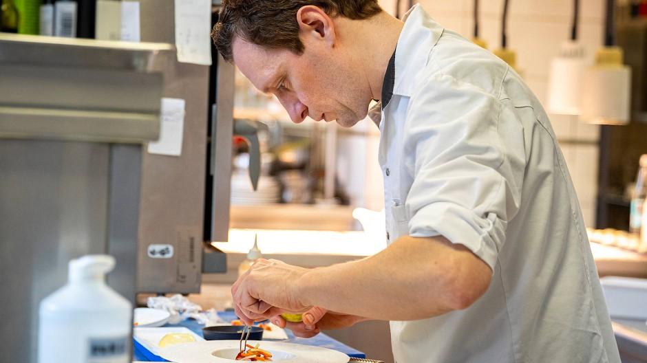 Thomas Schanz aus Piesport an der Mosel ist für den Gault & Millau der Koch des Jahres 2021 und nun mit neunzehn Punkten bewertet.