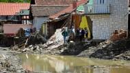 Amateurvideo zeigt Hochwasserschäden in Serbien