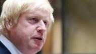 Boris Johnsons Flugzeug muss notlanden