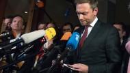 """""""Lieber nicht regieren als schlecht regieren."""" FDP-Chef Lindner verkündet den Rückzug seiner Partei aus den Sondierungsgesprächen."""