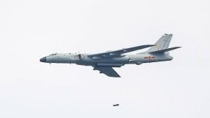 Dutzende Chinesische Kampfflugzeuge provozieren Taiwan
