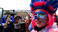 Auftakt zum Straßenkarneval mit gemischten Gefühlen