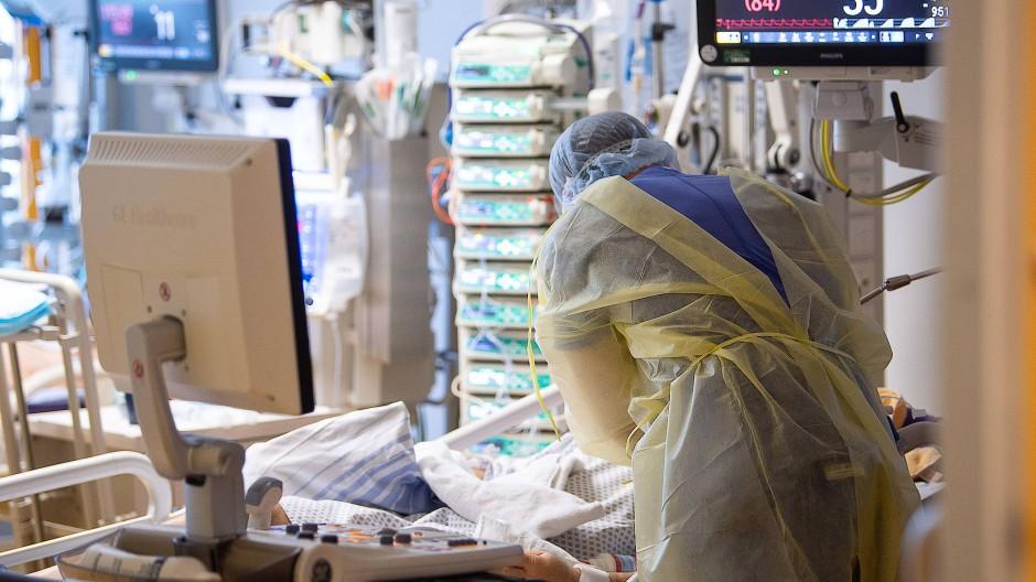 Der Großteil der Corona-Infizierten auf den Intensivstationen ist ungeimpft.