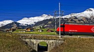 Eine Bahn wie aus dem Bilderbuch: In Sachen Qualität und Pünktlichkeit gilt die Schweizer Bahn als Musterbeispiel – nicht nur auf der Loetschberg-Linie.
