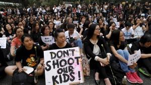 Hongkong stoppt umstrittenes Auslieferungsgesetz
