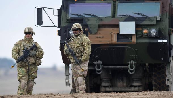 Was steckt hinter der Drohung mit dem Truppenabzug?