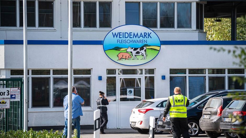 Dutzende Beschäftigte des Betriebs Weidemark in Sögel haben sich mit dem Coronavirus infiziert.