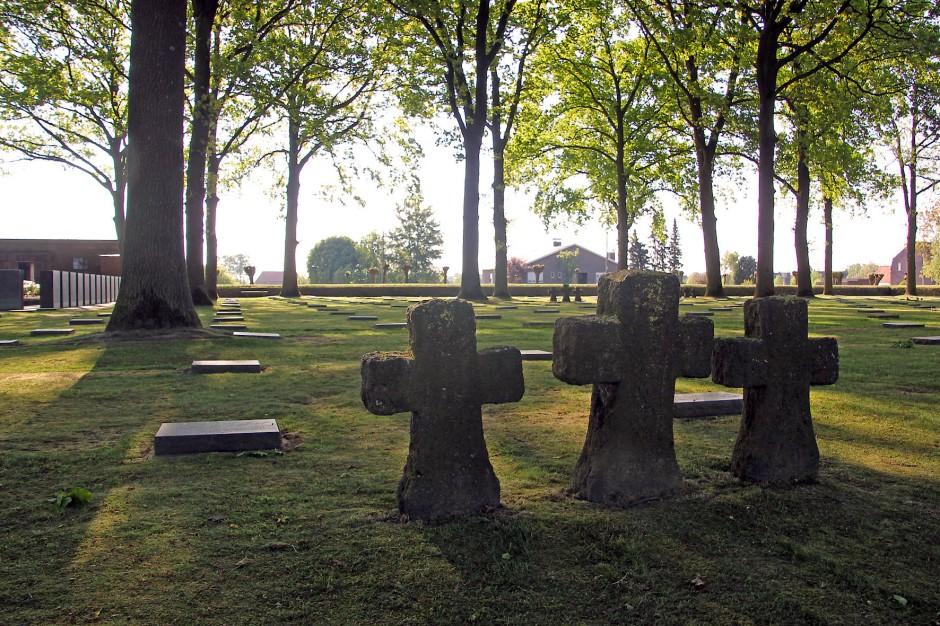 Gegen das Vergessen: Tausende Gebeine liegen auf dem deutschen Soldatenfriedhof in Langemark.