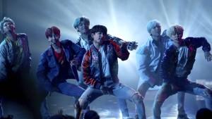 Die Agentur der Popgruppe BTS legt ein Börsendebüt wie Dynamit hin