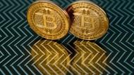 Alles nur fauler Zauber? Der Trend um die Kryptowährung Bitcoin lässt nicht nach.