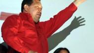 Chávez gewinnt Referendum - und kandidiert wieder