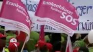 Ärzte und Pfleger demonstrieren gegen Klinik-Finanznot