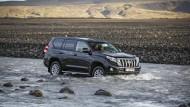 Leichte Übung: Im Gelände ist der Toyota Land Cruiser mit allen Wassern gewaschen.