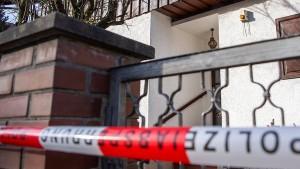 Polizei findet tote Familie in deren Haus