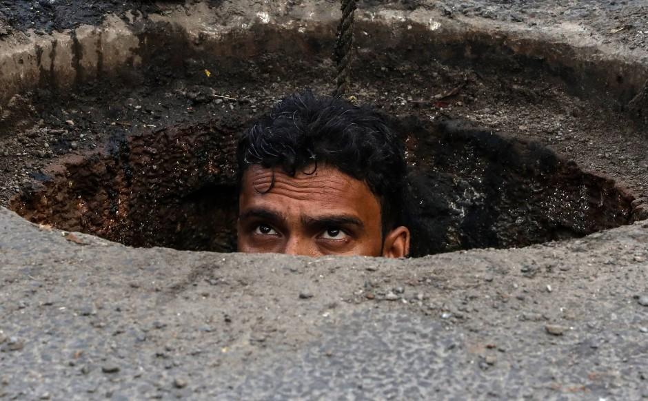 Joney ist ein 26-jähriger Kanalarbeiter im indischen Ghaziabad.